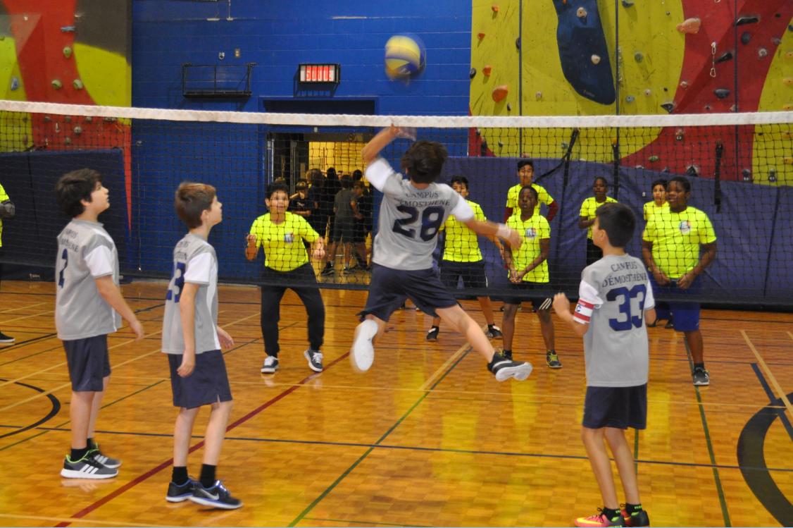 Démosthène au tournoi de volley-ball au Cégep Montmorency